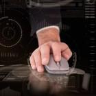 Verwarmde computermuis voorkomt koude handen achter computer